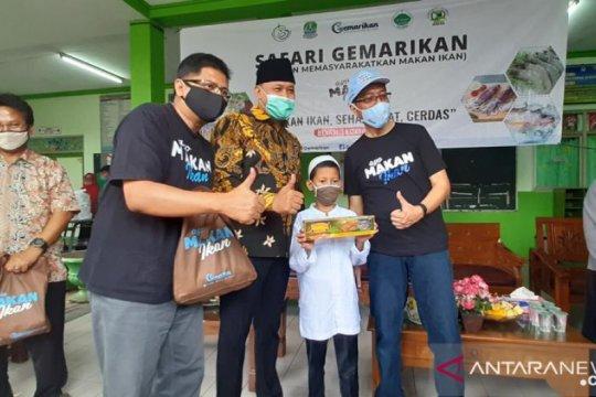 KKP berikan produk ikan bagi anak yatim dan dhuafa di Bekasi