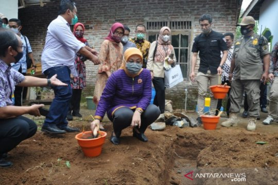 Kemenaker-Kemendes bangun 1.000 sanitasi pedesaan