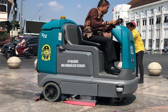 Yogyakarta anggarkan Rp400 juta bersihkan pedestrian kusam Malioboro