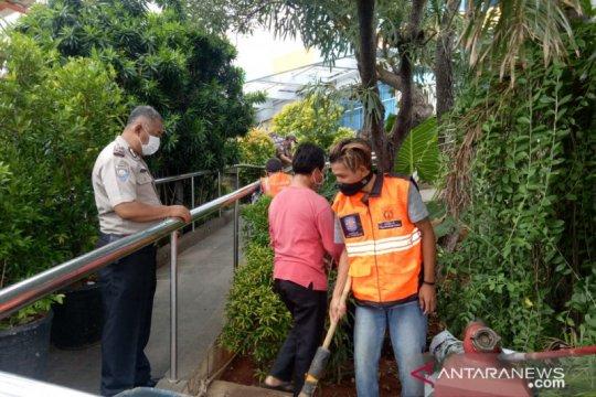 Aparat jaring 31 pelintas tanpa masker di Jalan Latimenten Raya