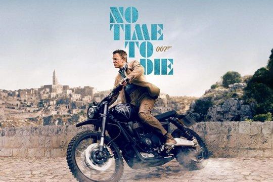 """No Time To Die"" habiskan 8.400 galon Coca-Cola aksi sepeda motor"