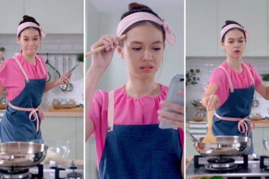 Yuki Kato belajar masak