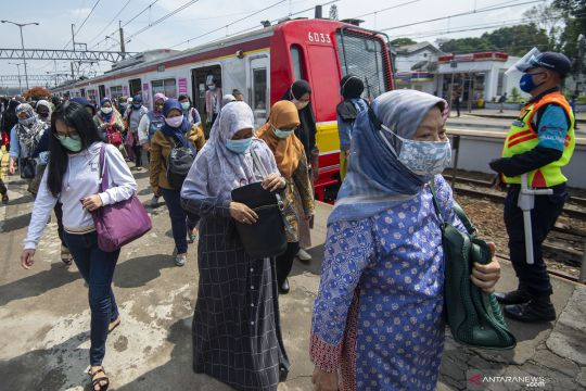 KCI: Evakuasi KRL anjlok hari ini di Kampung Bandan butuh lima jam