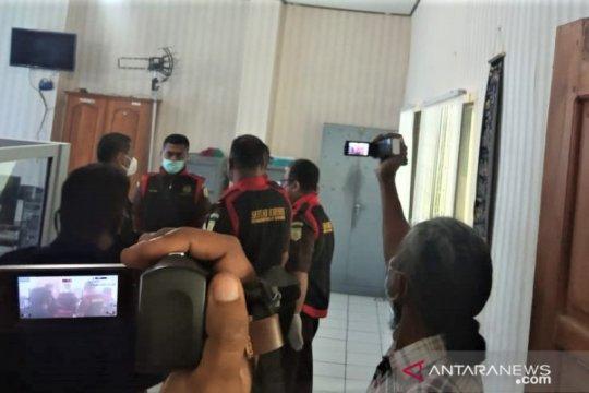 Penyidik kejaksaan NTT geledah Kantor ATR/BPN