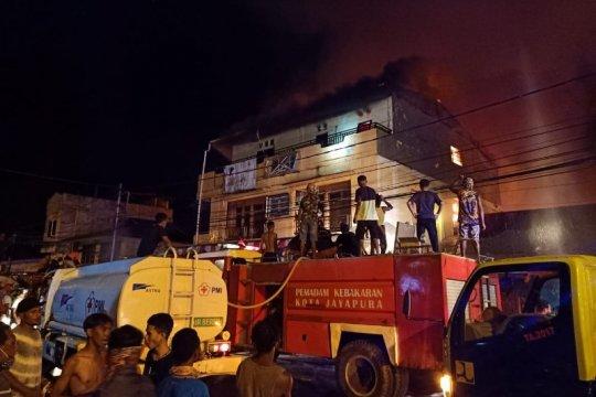 Kemarin, kebakaran di Dok IX hingga admin grup WA-FB-IG ditangkap