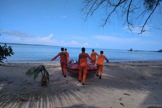 Tim SAR melakukan pencarian nelayan hilang di perairan Seliu Belitung