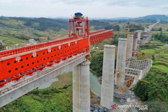 China bangun jalur kereta cepat Guiyang-Nanning