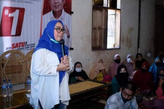 Cabup Mamuju programkan beasiswa Manakarra