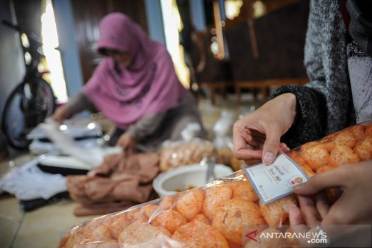 Airlangga: UU Ciptaker atur sertifikasi halal bagi pelaku UMKM gratis