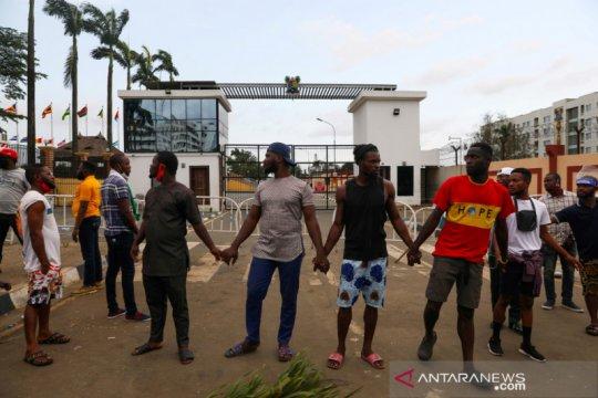 Tentara tembakkan peluru pada massa aksi protes di Nigeria