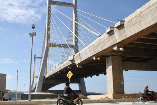 Puji Jembatan Teluk Kendari, Presiden Jokowi: Arsitekturnya menarik