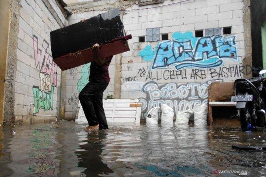 Beberapa perumahan di Bekasi terendam banjir hingga 1,5 meter