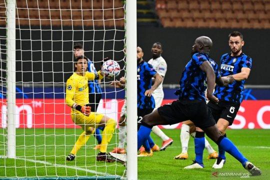 Dwigol Lukaku amankan hasil imbang 2-2 Inter saat lawan Gladbach