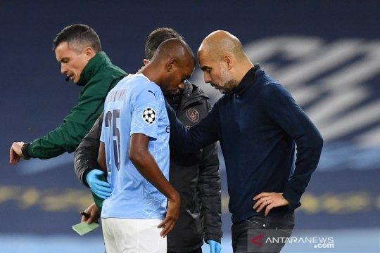 Manchester City menang, tapi dapat kabar buruk soal Fernandinho