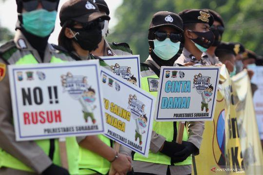Imbauan polisi saat unjuk rasa tolak UU Cipta Kerja