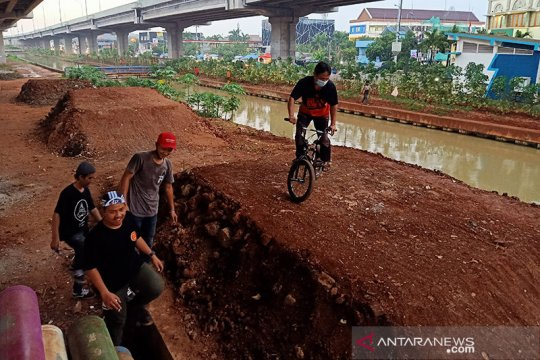 Jaktim kaji ulang faktor keselamatan jalur sepeda kolong Tol Becakayu