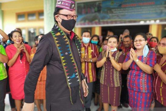 MenPAN-RB minta Pemkab Manggarai Barat permudah izin investasi