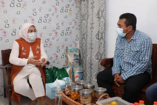 Menaker kunjungi pekerja penerima BSU di Kota Malang