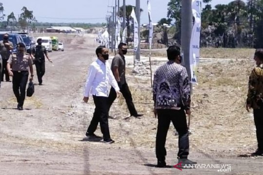 Masyarakat Bombana sambut gembira peresmian pabrik gula oleh Presiden