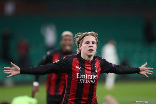 Hauge sumringah setelah sumbang gol perdana untuk Milan