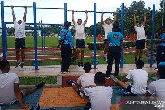 TNI AL menyeleksi 450 calon bintara dan tamtama dalam tes samapta