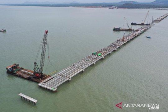 """WIKA bangun Terminal Kijing dengan """"trestler"""" terpanjang di Indonesia"""