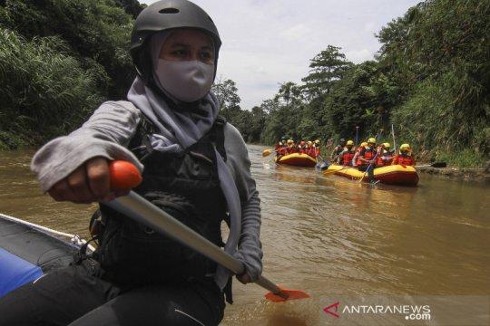 Pelatihan penanggulangan bencana longsor dan banjir di Sungai Ciliwung