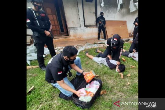 Polres Jakbar gagalkan upaya peredaran satu koper isi narkoba
