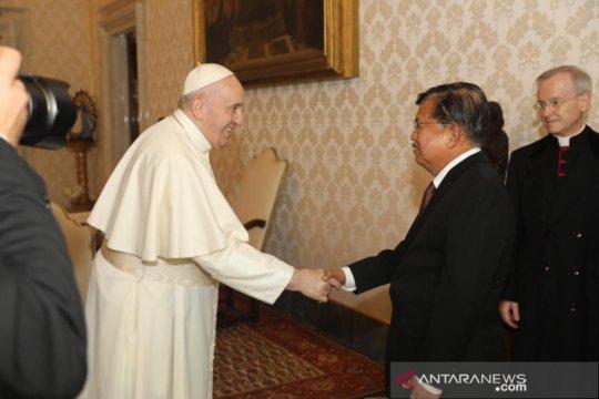 JK bertemu Paus Fransiskus bahas kemanusiaan dan perdamaian