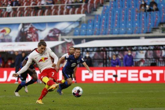 Leipzig pertahankan posisi puncak lewat kemenangan 2-1 atas Hertha