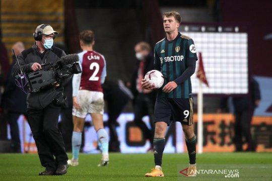 Patrick Bamford trigol, Leeds runtuhkan mimpi Villa ke puncak klasemen