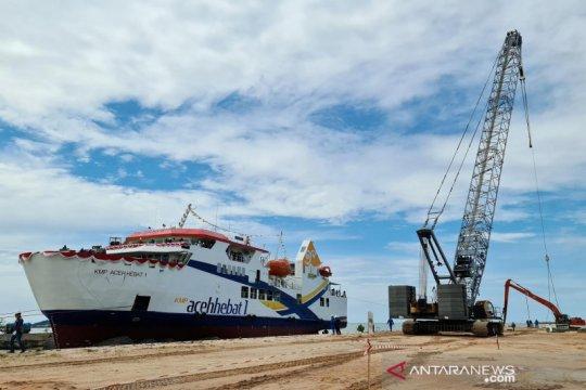 Menjawab kebutuhan rakyat pulau Tanah Rencong dengan KMP Aceh Hebat