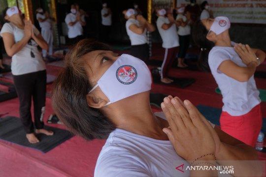Kampanye pilkada dalam bentuk kegiatan yoga
