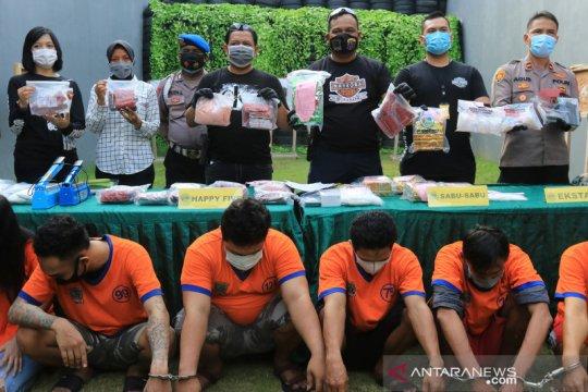 Polrestabes Surabaya ungkap kasus peredaran narkotika