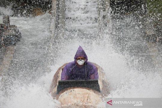 Masker jadi tambahan polusi laut di lokasi menyelam populer Filipina