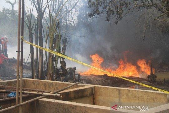 Gudang minyak di Lingkar Barat Jambi habis terbakar