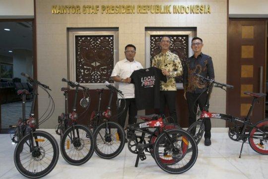 Anak bangsa buat sepeda edisi khusus Sumpah Pemuda untuk Presiden