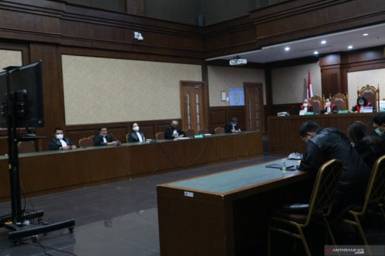 Hakim wajibkan pengelola saham Jiwasraya bayar Rp10,728 triliun