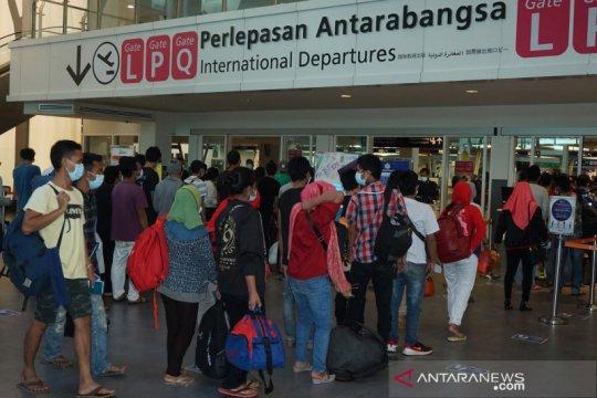 Malaysia tutup Kantor Imigrasi kecuali di tiga negara bagian