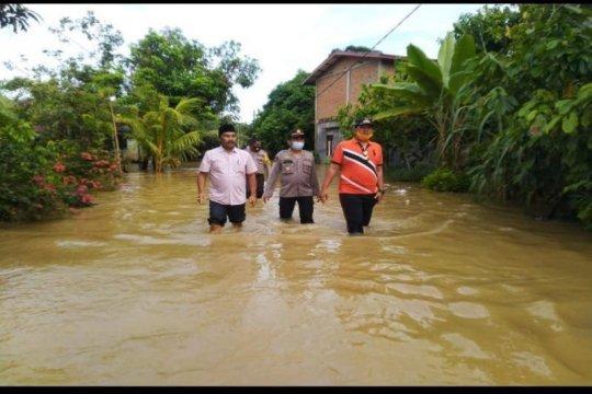 Banjir sebabkan empat jembatan di Langkat rusak