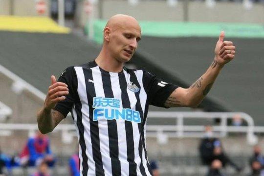 Pemain Newcastle Jonjo Shelvey jalani operasi hernia