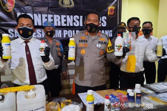 Polisi ringkus pelaku pemalsuan obat-obatan pertanian