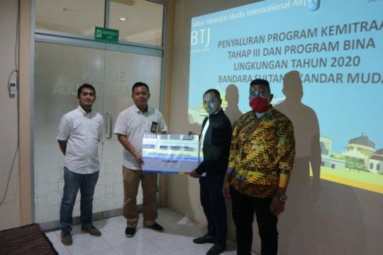 Pengelola Bandar Sultan Iskandar Muda salurkan PKBL senilai Rp485 juta