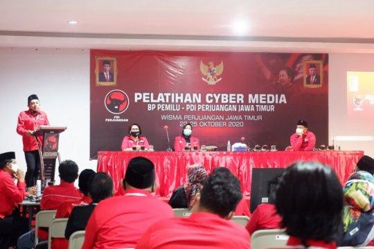 """PDIP Jatim minta """"pasukan udara"""" sampaikan info benar lewat medsos"""
