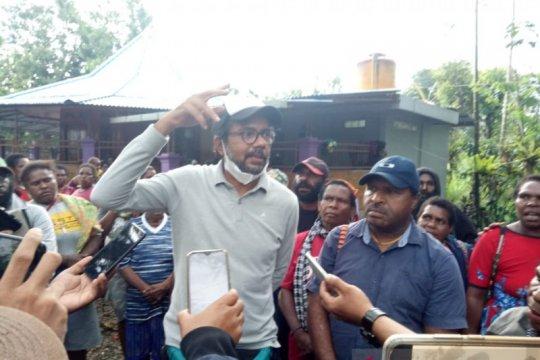Haris Azhar: Ada yang tidak menghendaki warga Banti kembali