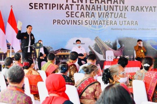 Presiden Jokowi serahkan 22.007 sertifikat tanah di Humbang Hasundutan
