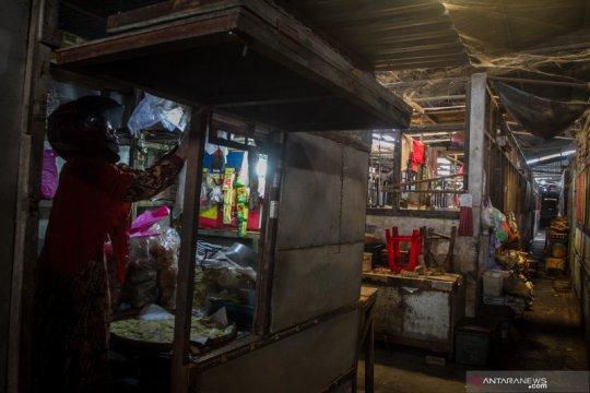 Pasar Harjodaksino kembali ditutup akibat COVID-19