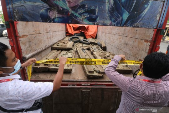 Kasus pencurian relief makam kuno tionghoa