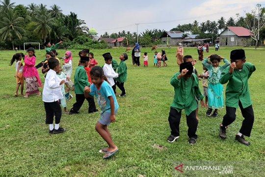 Desa pesisir Halmahera belajar tatap muka di tengah keterbatasan