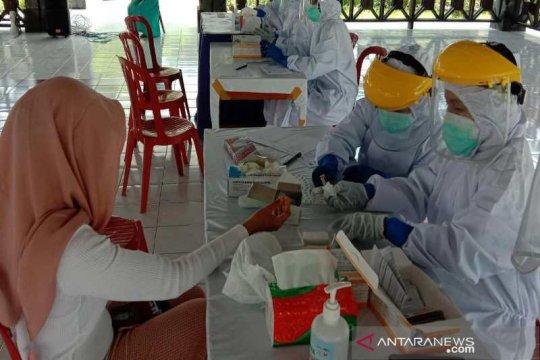 Tes COVID-19 dilakukan secara acak pada pengunjung Candi Borobudur